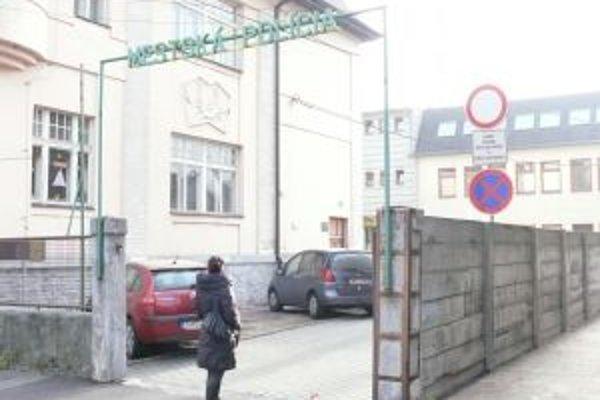 Na mestskej polícii prepúšťali. Dôvodom bolo rušenie chráneného pracoviska.