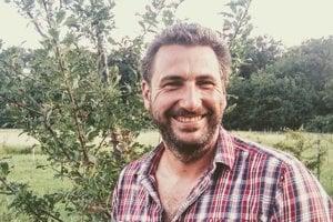 Juraj Nedosrost na svojej ovocnej biofarme