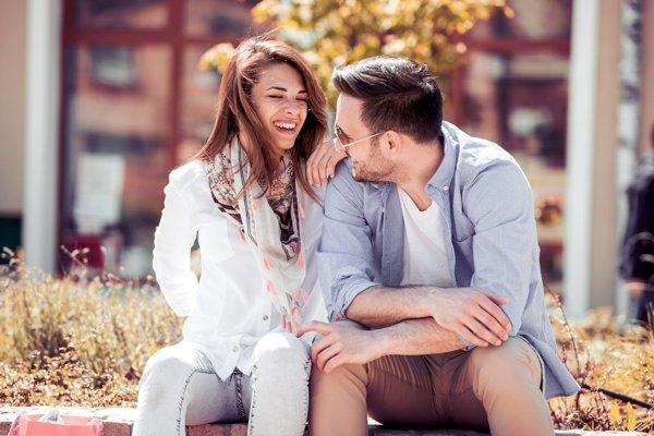 Technicky je telo na sex pripravené koncom puberty. Emočná príprava ale môže trvať výrazne dlhšie.
