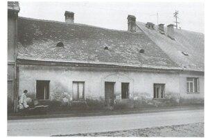 Dom Szmolenovcov na Radvanskej ulici pred asanáciou.
