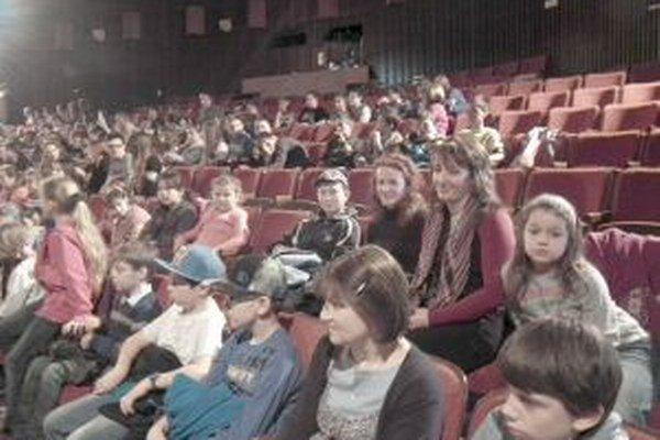 V hľadisku sedeli aj divadelníci zo Zubáka.