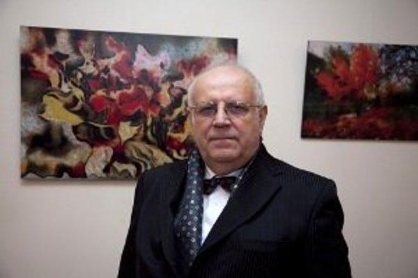 Autor výstavy Ladislav Čierny na vernisáži.