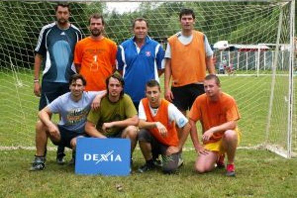 Víťazi turnaja, mužstvo FC Citrus Horný Karabach.