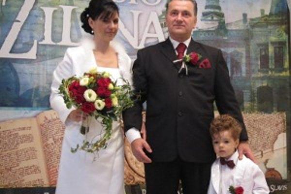 Novomanželia Ľuboš a Monika. Za sobášny deň si vybrali stredu 20. 10. 2010.
