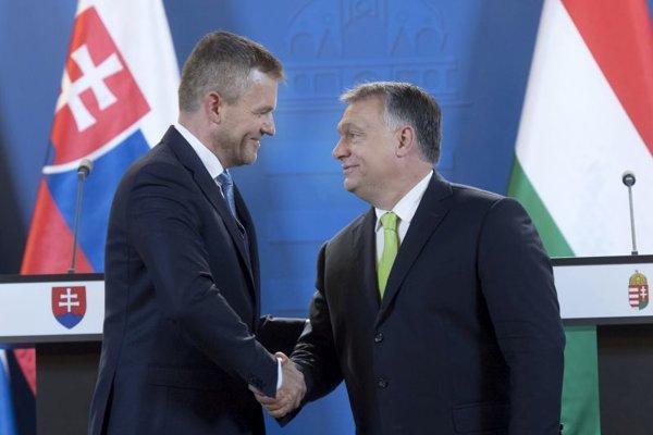 Maďarský premiér Viktor Orbán (vpravo) a Peter Pellegrini počas stretnutia v Budapešti 12. júna.