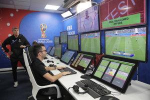 Videotechnológia, ktorá pomáha rozhodcom na MS vo futbale 2018.