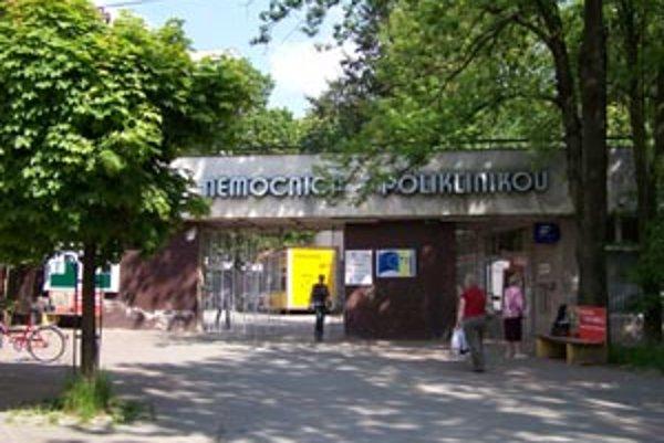 V žilinskej fakultnej nemocnici končí kožné a ORL oddelenie, cievna chirurgia, aj koronárna jednotka.