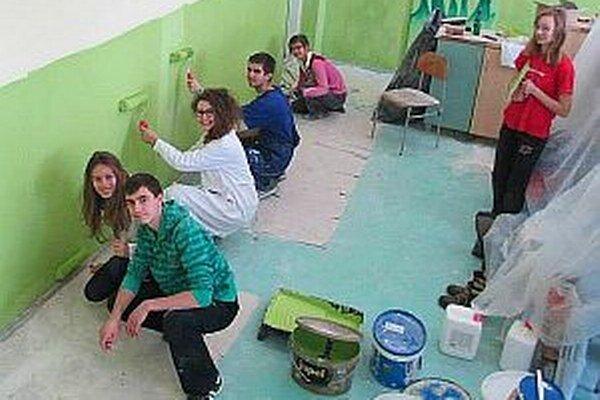 Peniaze získali študenti vďaka projektu, do ktorého sa zapojili.