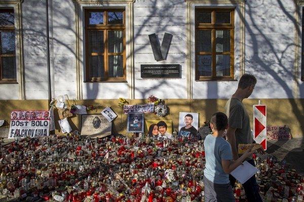 Po protestoch zostalo v Bratislave zátišie so zavraždenou dvojicou.