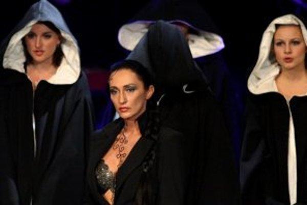 Sisa Sklovská. Vidieť ju môžete aj na Hradných dňoch v opere Matúš Čák Trenčiansky.
