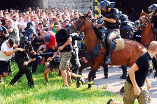 Polícia fanúšikov Hajduku Split nevpustila ku štadiónu.