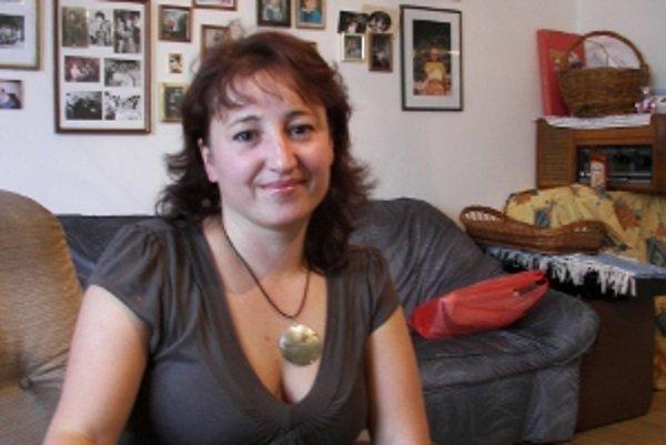 Ľubica Kučerová, vedúca detského folklórneho súboru Hájovček v Strečne. Prácu s deťmi miluje.