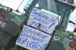 Poľnohospodári poukazujú aj na pochybné prideľovanie dotácií.
