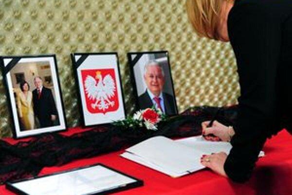Do kondolenčnej knihy sa podpísali občania Slovenska ale i Poliaci, ktorí žijú trvalo v Žiline a v jej okolí.