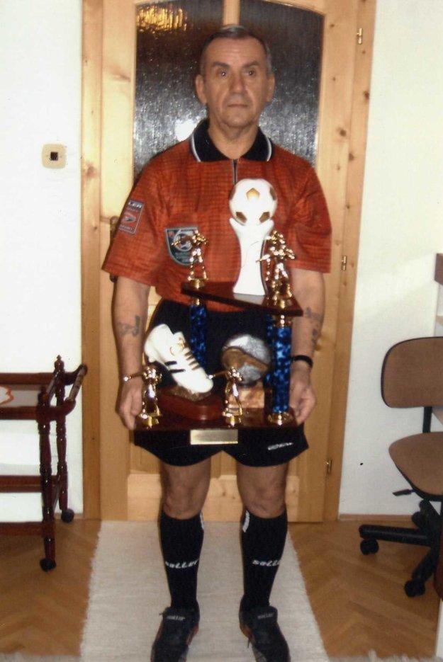 Získal množstvo trofejí.