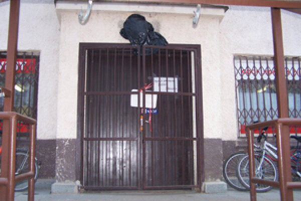 Po predajni v Súľove vykradli minulý týždeň neznámi páchatelia predajňu potravín aj v Štiavniku.