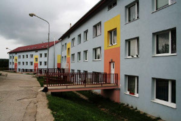 Od r. 2005 až do konca tohto roku bude v meste 1 800 nových bytov. Z tohto je zatiaľ  700 bytov stále nepredaných.
