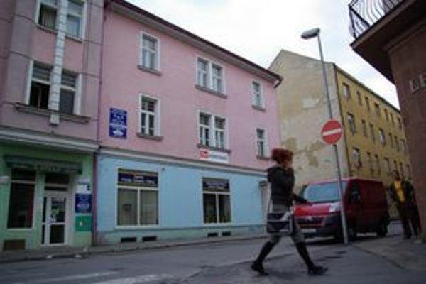 Dočasný sklad plánuje firma na Tvrdého ulici v centre Žiliny.