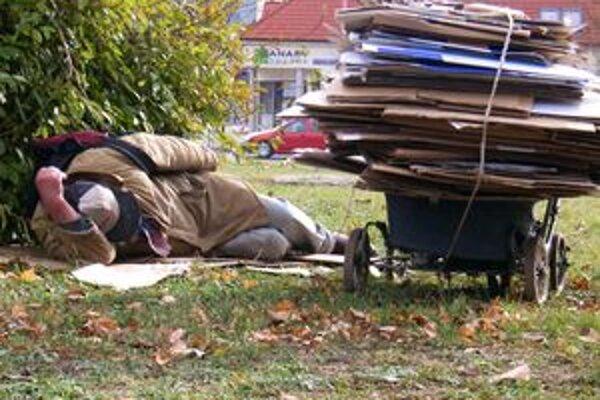 Bezdomovci sú v zime najohrozenejší.