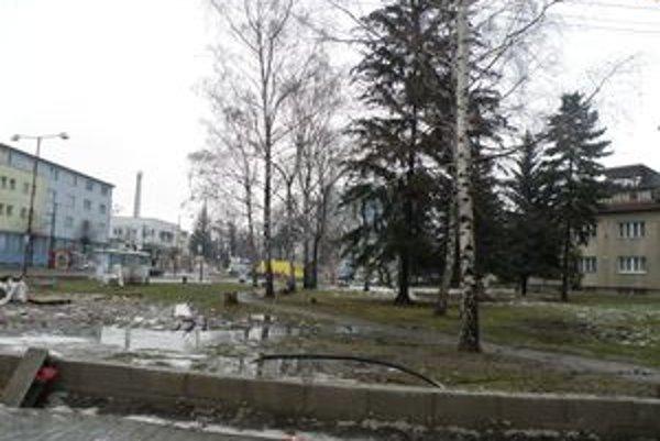 Park Na Sihoti je zdevastovaný. Na jar ho opravia.