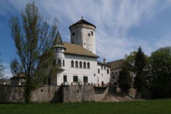 Aj ďalšiu dominantu mesta Žilina osvetlia.