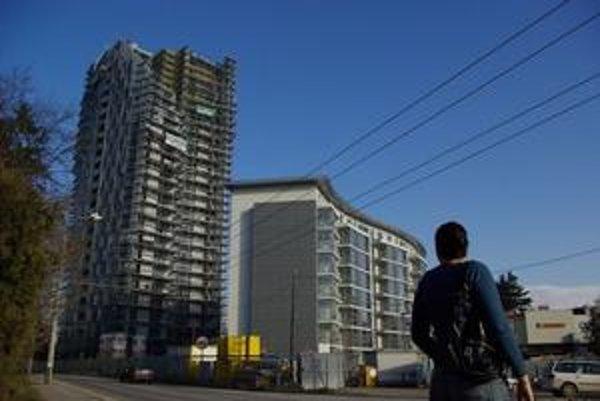 Menší záujem je aj o luxusné byty vo vznikajúcom komplexe Amfiteáter.
