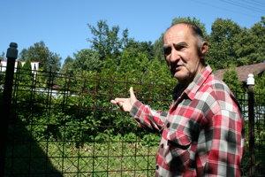 Štefan - pletivo vymenil za nový plot, nepomohlo
