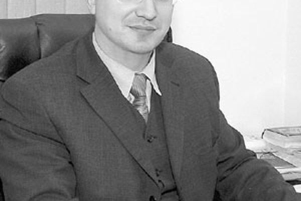 Michal Krnáč je pripravený hocikedy sa stretnúť s primátorom Ivanom Harmanom a rokovať s ním o textácií zmluvy.