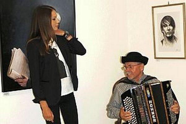 Zuzana Smatanová je nielen výbornou speváčkou, ale aj maliarkou.