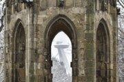 Bývalá gotická veža františkánskeho kostola je dnes súčasťou Sadu Janka Kráľa.