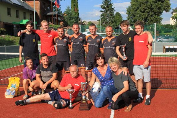 Spoločné foto finalistov.