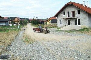 Do výstavby dažďovej kanalizácie obec investovala osemtisíc eur.