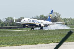 Lietadlo nízkonákladovky Ryanair.