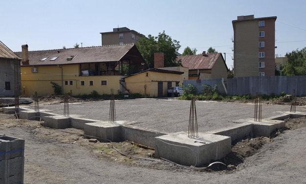 Základy novej tržnice vo Fiľakove.