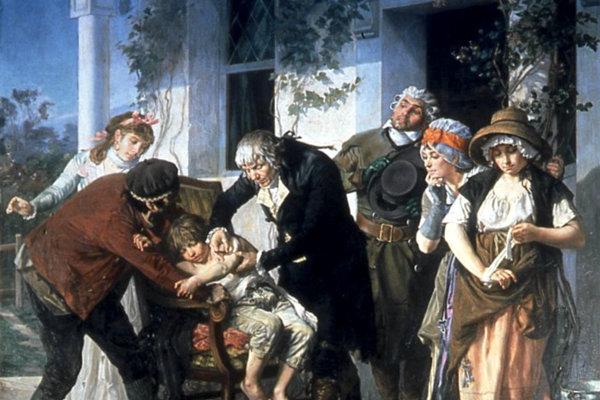 Lekár Edward Jenner prevádza prvé očkovanie proti kiahňam.