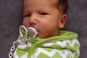 Tobias Kebísek (3240 g, 49 cm) sa narodil 11. júla Diane a Marekovi z Horného Srnia. Doma už majú trojročného Nikolaska.