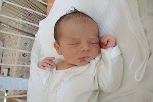 Michal Kováč (2920 g, 47 cm) sa narodil 16. júla Nikolete a Michalovi z Trenčína. Na bračeka sa doma teší štvorročná Viktória a dvojročná Karolína.
