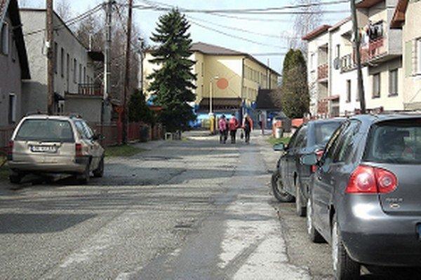 Zásluhou osobitnej školy patrí ulica Mila Urbana k dopravne najzaťaženejším.
