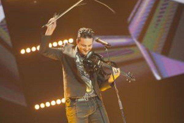 Peťo nepochybne zaujal aj ako multiinštrumentalista - v súťaži hral na husliach, klavíri, gitare a biciách.