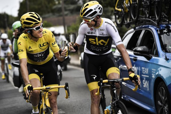 Bývalí šampióni Tour de France - Geraint Thomas (vľavo) a  Chris Froome.