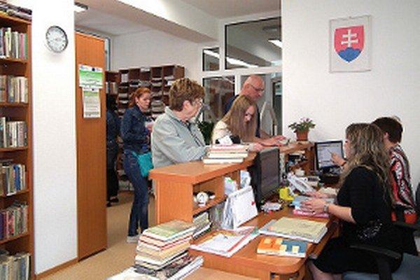 Otvorenie knižnice privítali najmä študenti a dôchodcovia.