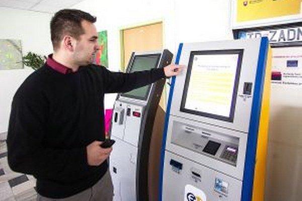 Nové zariadenia postupne Slovenská pošta v spolupráci s rezortom vnútra rozmiestňuje po Slovensku.