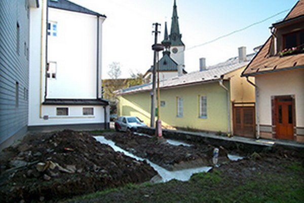 Letnou čitárňou sa mala zavŕšiť rekonštrukcia knižnice financovaná z eurofondov.