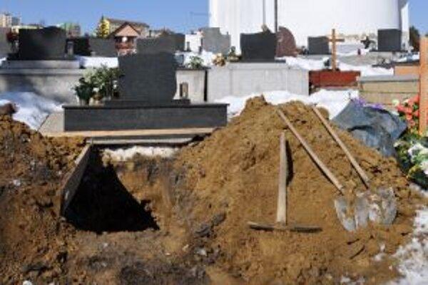 Niektorým obciam hrozil zákaz pochovávania.