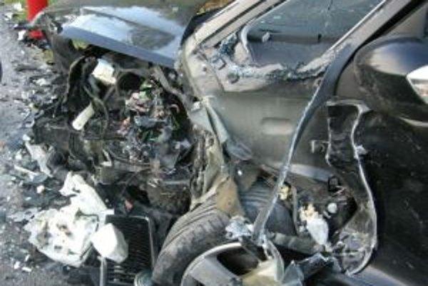 Autá sa zrazili v pondelok ráno pred ôsmou pri Zábiedove.