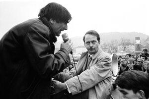 Verejná konforontácia medzi Ralfom Dahrendorfom a Rudim Dutschkem.