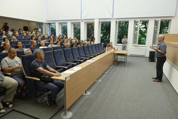 Protestné zhromaždenie SAV v Košiciach viedol Peter Samuely.