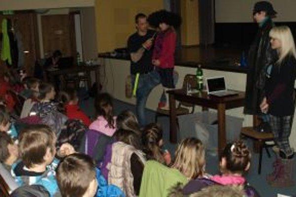 Prednáška deťom o nástrahách na internete.
