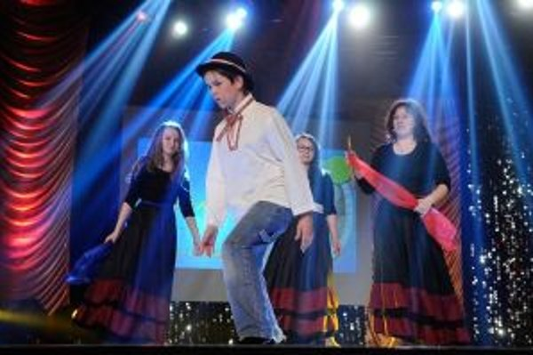 Žiaci učiteľky Daniely Paľovej zahrali rozprávku Halečkovské bosorky.