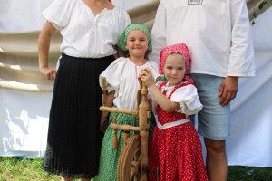 Rodina Laurová, kroj Žaškov